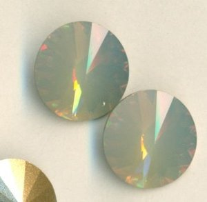 14mm Swarovski Rivoli Light Grey Opal Sonderfarbe